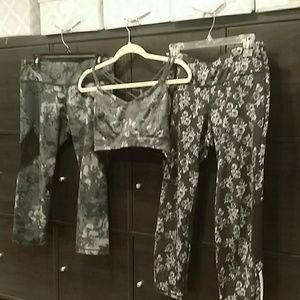 3 piece old navy yoga legging and bra